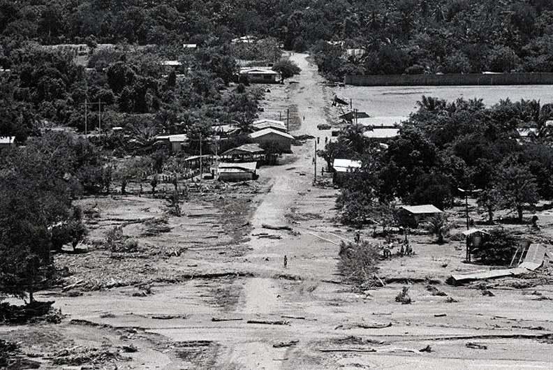 September 18, 1974: Hurricane Fifi, the 4th deadliest hurricane on record strikes Honduras with 110mph winds, 5,000 die. Photo: Bettmann/Corbis